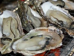 から付き牡蠣の網焼き